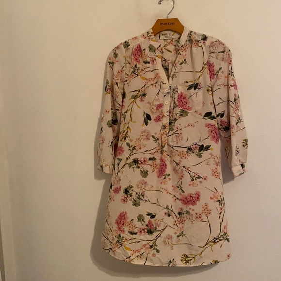 ENDLESS LOVE FLORAL DRESS SIZE SMALL